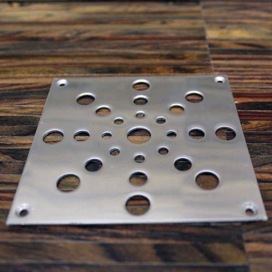 Декоративная решетка для  вентиляционного отверстия в паркете: Сталь